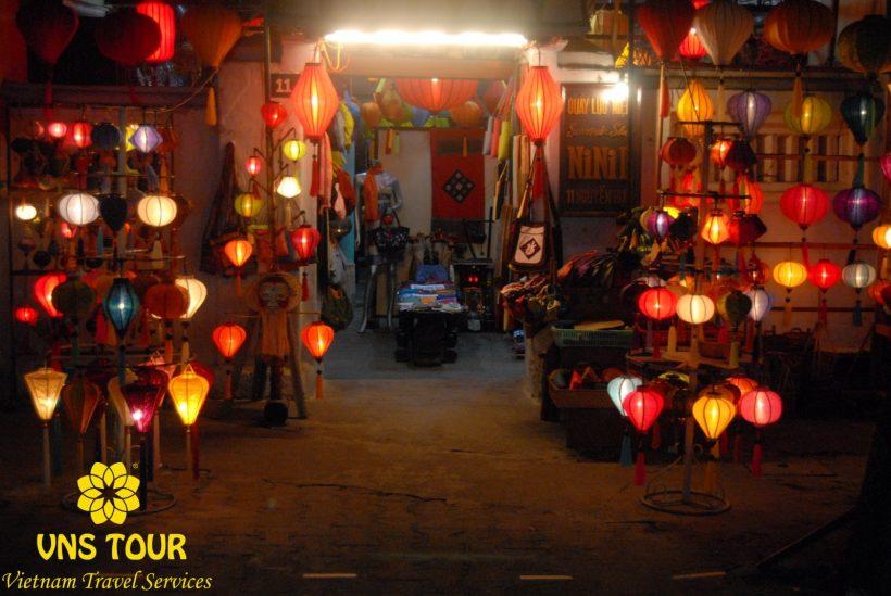 Handcrafted-Lanterns-In-Hoi-An-Vietnam-1600×1071(1)