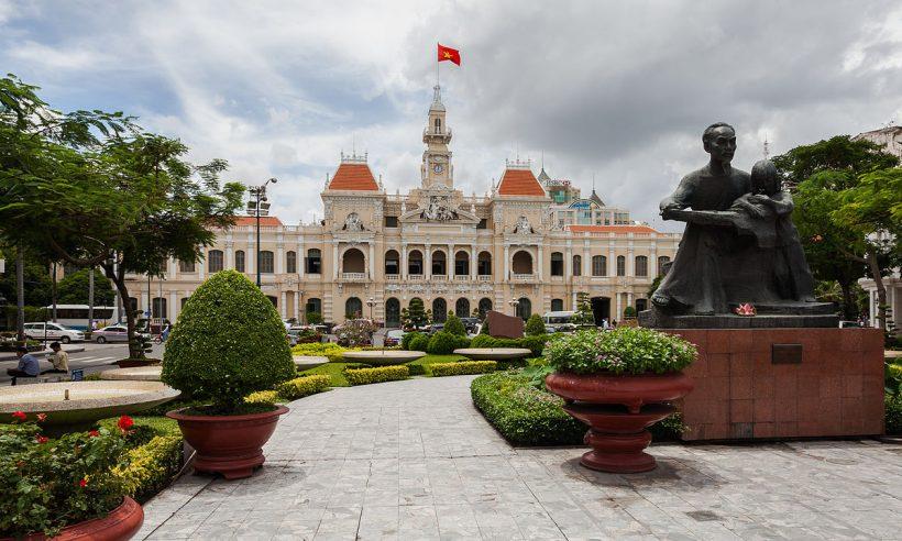 Ayuntamiento,_Ciudad_Ho_Chi_Minh,_Vietnam,_2013-08-14,_DD_03