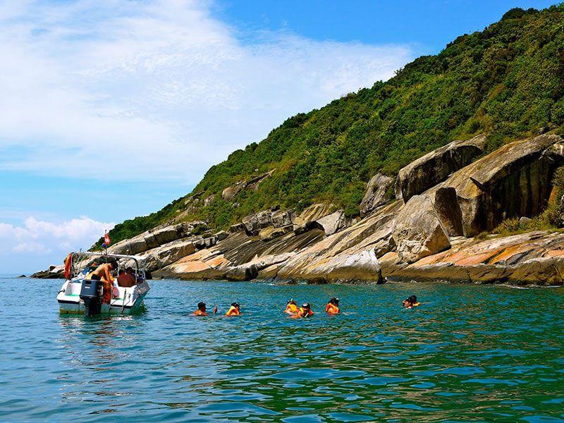 Cham-Island-snorkeling-2