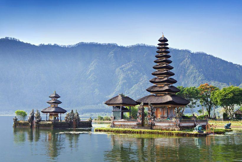 VNS TOUR-ulun-danu-beratan-lake-temple-bali